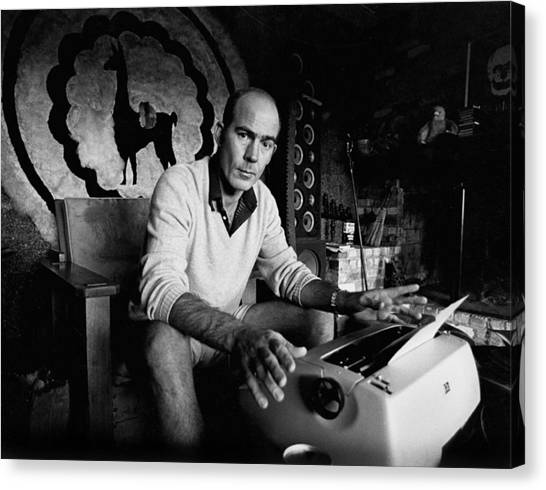 Hunter S. Thompson Canvas Print by Michael Ochs Archives