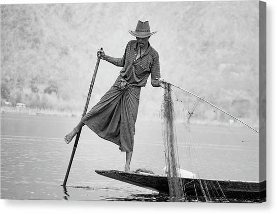 Inle Lake Fisherman Byw Canvas Print