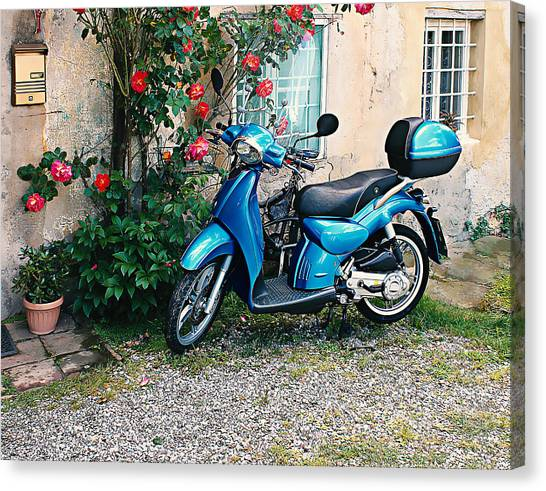 Italian Scooter  Canvas Print by Christine Buckley