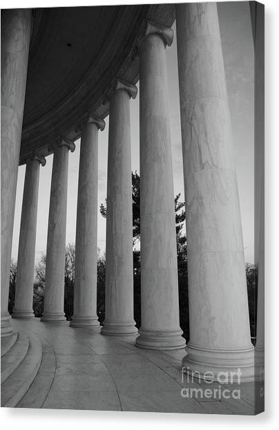 Canvas Print - Jefferson Memorial In Black And White by Megan Cohen