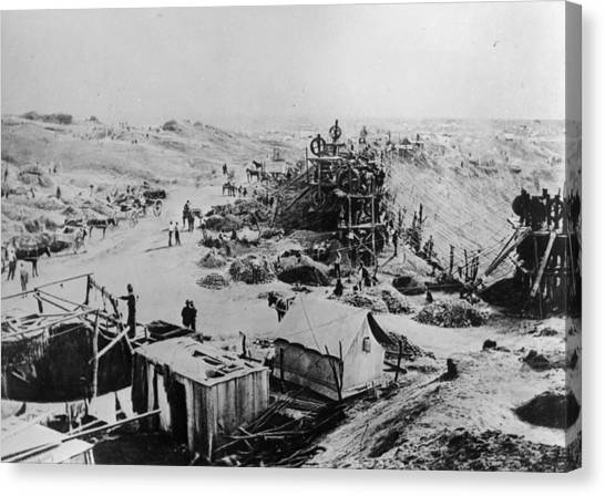 Kimberley Mine Canvas Print by Hulton Archive