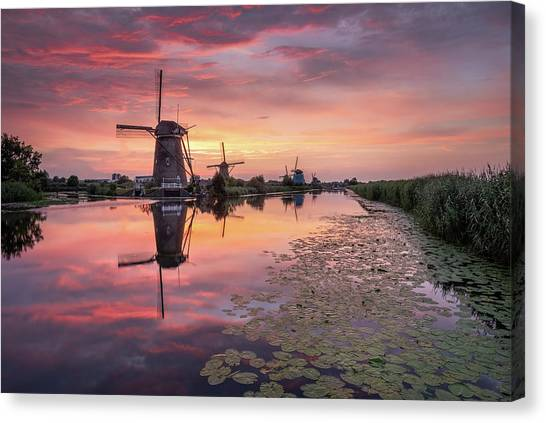 Kinderdijk Sunset Canvas Print