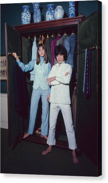 L-r Actress Jane Birkin And Pop-singer Canvas Print by Bill Ray