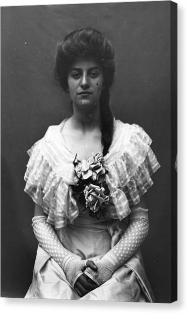 Lace Gloves Canvas Print by Hulton Archive