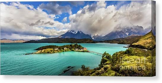 Lago Pehoe, Chile Canvas Print