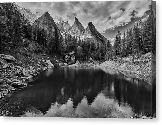 Verde Canvas Print - Lake In The Alps by Jon Glaser