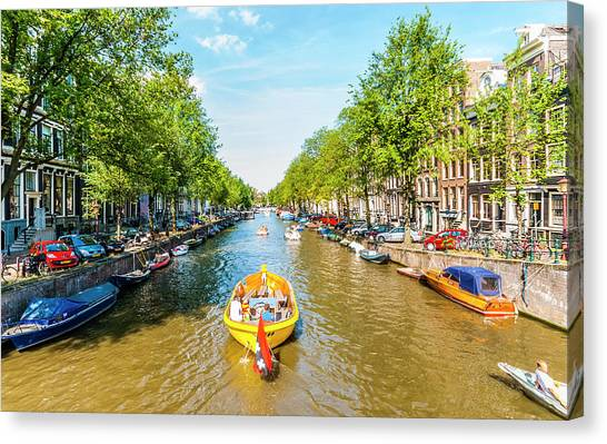 Lazy Sunday On The Canal Canvas Print
