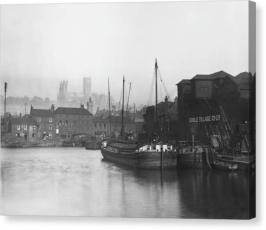 Lincoln Docks Canvas Print by Hulton Archive