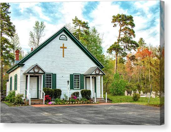 Canvas Print featuring the photograph Little Church In The Pines by Kristia Adams