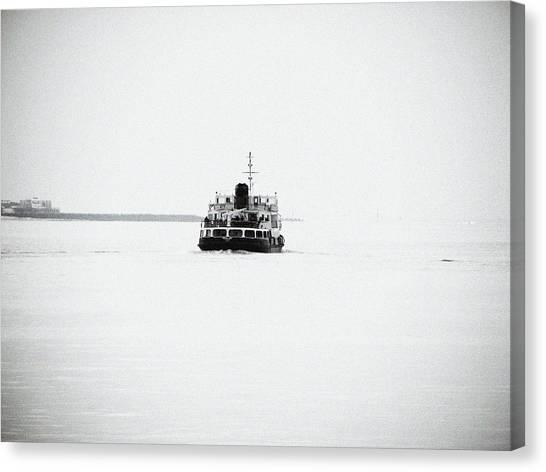 Liverpool. The Mersey Ferry 'royal Iris' Canvas Print