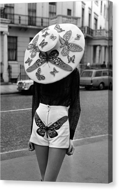 London, England, 6th April 1971, A Canvas Print by Popperfoto