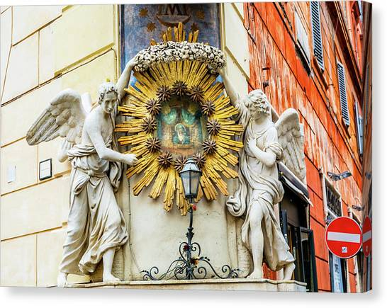 Madonna Del Archetto Angels Statues Canvas Print by William Perry
