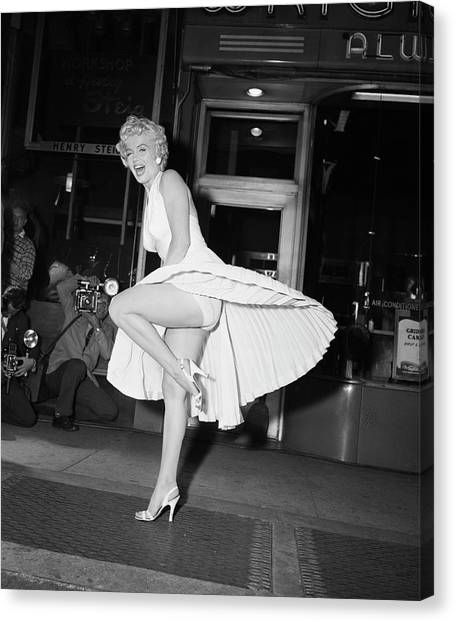 Marilyn Monroe On Subway Grate Canvas Print by Bettmann