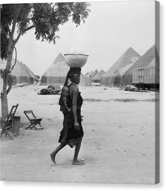 Nigeria Canvas Print - Market Bound by Keystone Features
