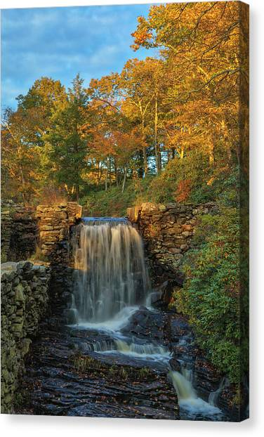 Canvas Print featuring the photograph Massachusetts Fall Colors At Moore State Park  by Juergen Roth