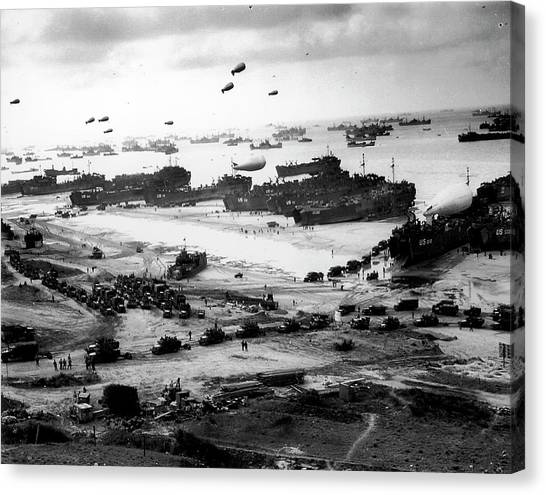 Massive Landing And Deployment Of Us Tro Canvas Print
