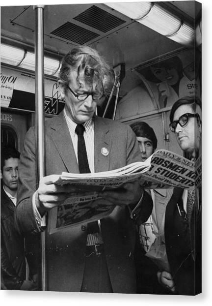 Mayor John Lindsay Reads Newspaper Canvas Print