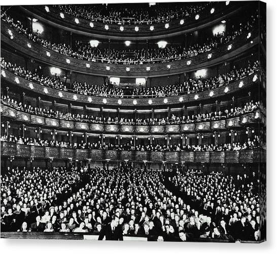 Metropolitan Opera House Canvas Print