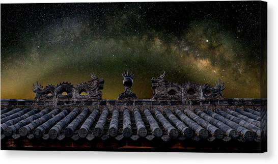 Milky Way Arch Over Chinese Temple Roof Canvas Print