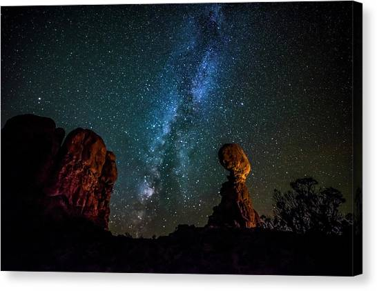 Canvas Print featuring the photograph Milky Way Over Balanced Rock by David Morefield