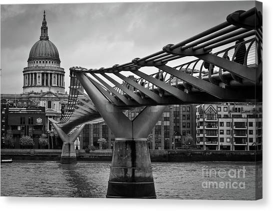 Millennium Bridge 01 Canvas Print