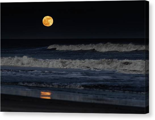 Canvas Print featuring the photograph Moonrise Over Assateague Island Beach by William Dickman