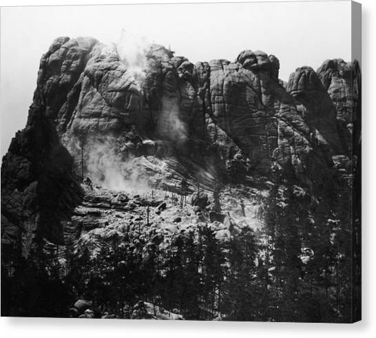 Mount Rushmore Canvas Print by Fpg