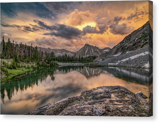 Mountain Beauty Canvas Print by Leland D Howard