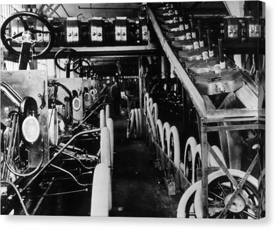 Moving Assembly Line Canvas Print by Hulton Archive