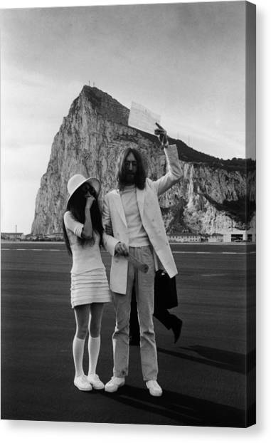 Mr And Mrs Lennon Canvas Print by Simpson