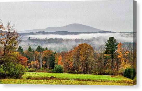 Canvas Print featuring the photograph Mt. Kearsage Foggy View by Betty Pauwels