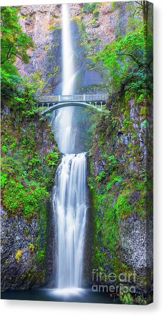 Multnomah Falls Canvas Print