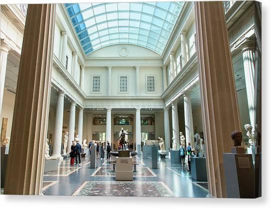 New York, Metropolitan Museum Of Art Canvas Print