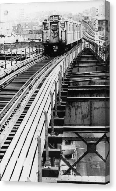 Nyc Subway Canvas Print by Hulton Archive