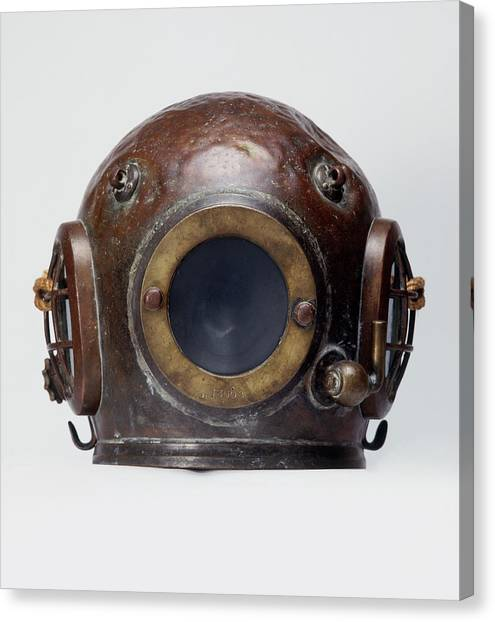 Old-fashioned, Deep Sea Divers Helmet Canvas Print by Ray Moller