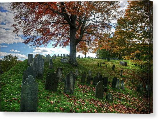 Old Hill Burying Ground In Autumn Canvas Print