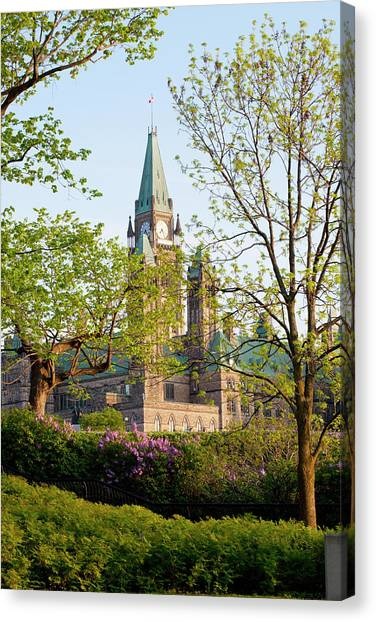 Parliament Hill Canvas Print - Parliament Buildings by David Chapman / Design Pics