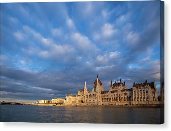 Canvas Print featuring the photograph Parliament On The Danube by Davor Zerjav