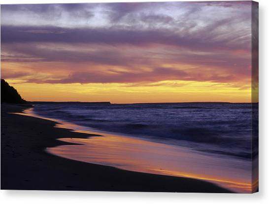 Pictured Rocks National Lakeshore At Canvas Print