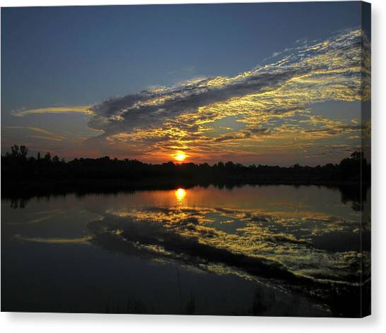 Reflections Of The Passing Day Canvas Print