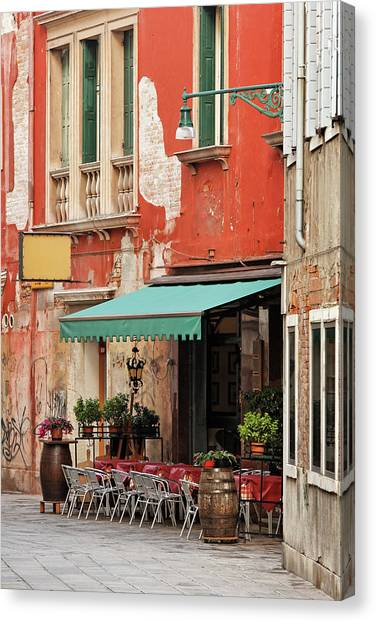 Restaurant In Venice Canvas Print