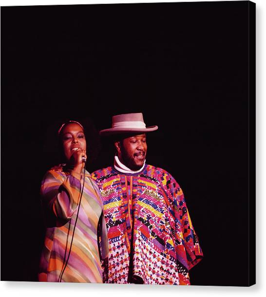 Roberta Flack And Les Mccann Perform At Canvas Print by David Redfern