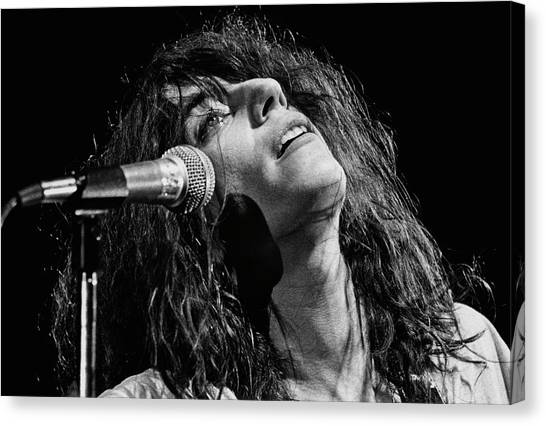 Rock Singer Patti Smith In Concert Canvas Print by George Rose
