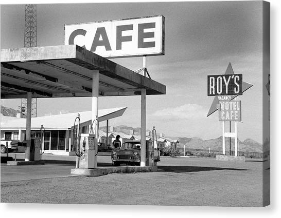 Roys Motel, Cafe, And Gas On Route 66 Canvas Print by Car Culture