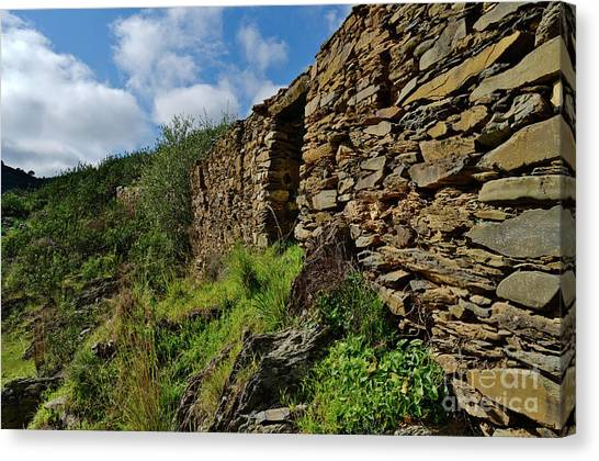 Ruins Of A Schist Cottage In Alentejo Canvas Print