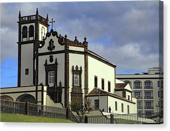 Canvas Print featuring the photograph Sao Pedro by Tony Murtagh