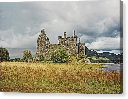 Scotland. Loch Awe. Kilchurn Castle. Canvas Print