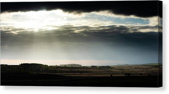 Canvas Print featuring the photograph Shining Through At Baslow Edge by Scott Lyons