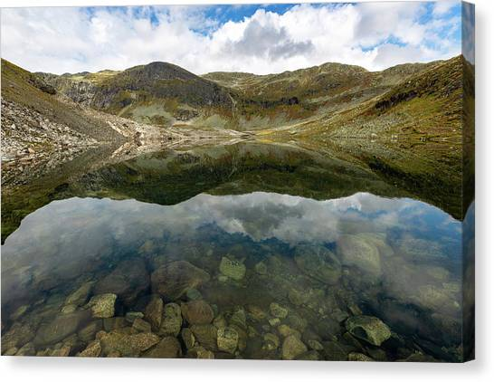 Canvas Print featuring the photograph Skarsvotni, Norway by Andreas Levi