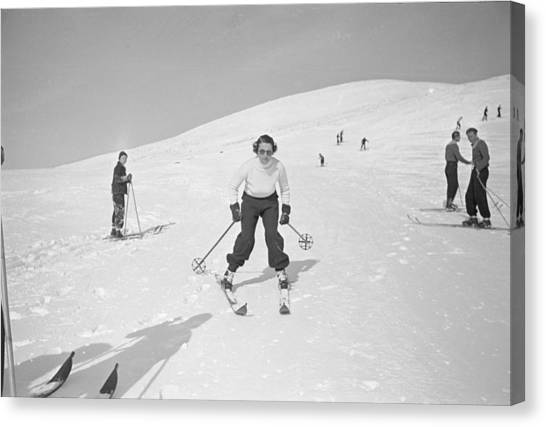 Skiing At Sun Valley Canvas Print